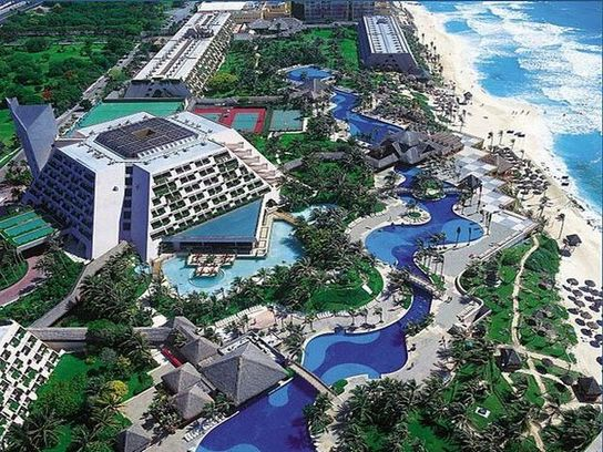 Oasis_Cancun_Resort_View