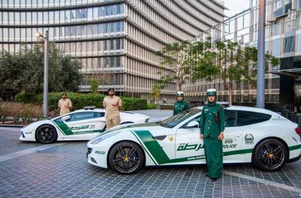 Dubai-Police-Cars-Officers-620x408