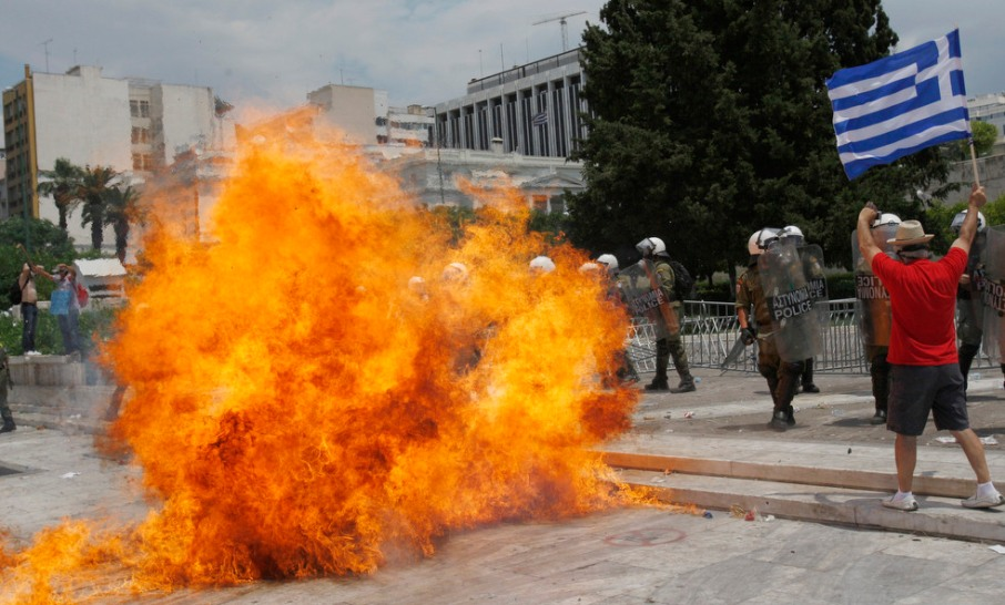 greece_riots_0629_24