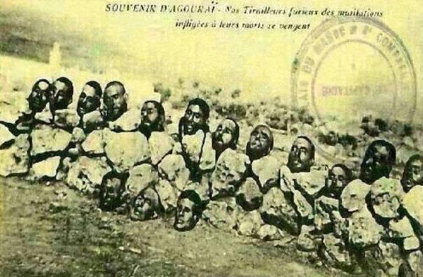 Esta estampa retrata muçulmanos decapitados em Marrocos pelos franceses e utilizadas como selo francês. 1922