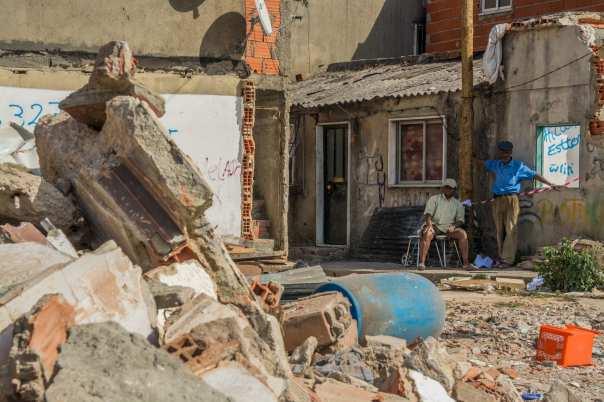 casas demolidas (sem aviso prévio do dia) na Amadora